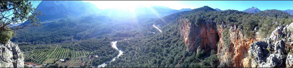 Vue sur la vallée depuis le secteur Anatolya